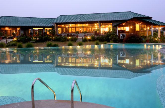 luxury hotels in corbett